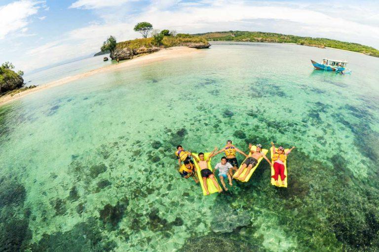 gili-petelu-lombok-pantai-pink-lombok-paket-snorkeling-pantai-pink-lombok