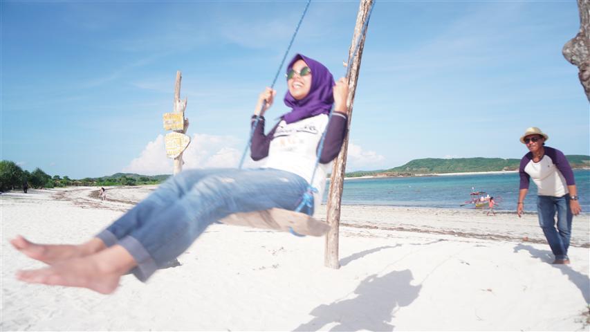 pantai tanjung ann lombok traveling di lombok murah