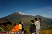 sunrise di bukit pergasingan lombok