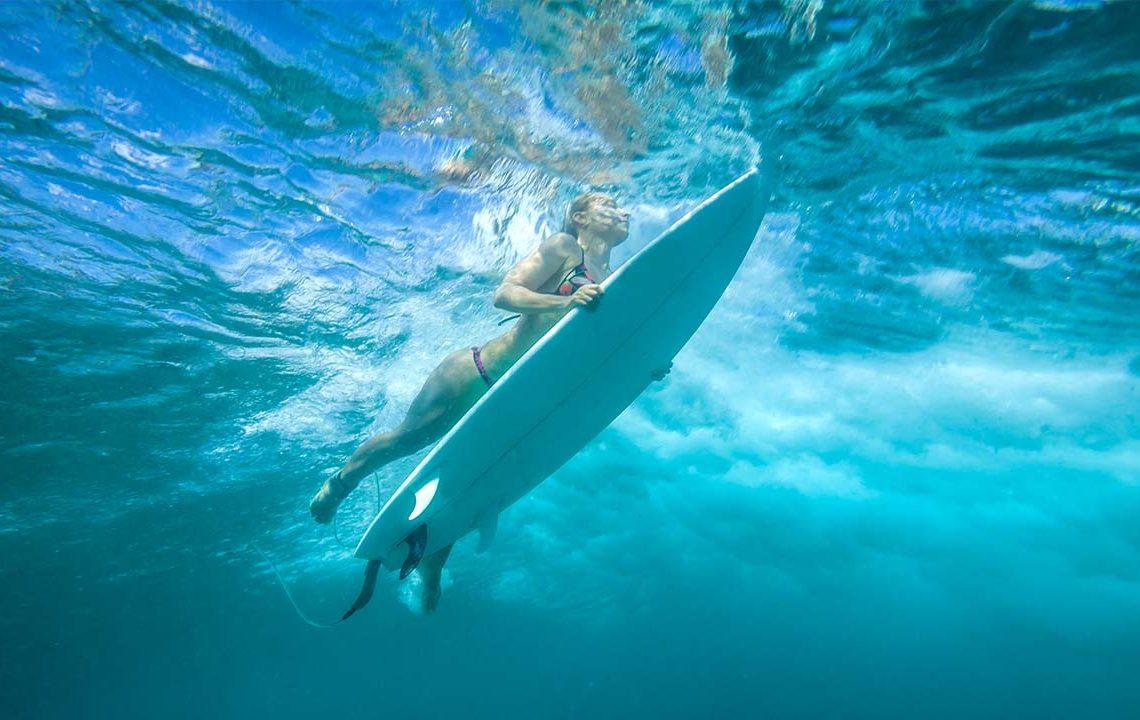Surfing di lombok dan biaya hidup di lombok